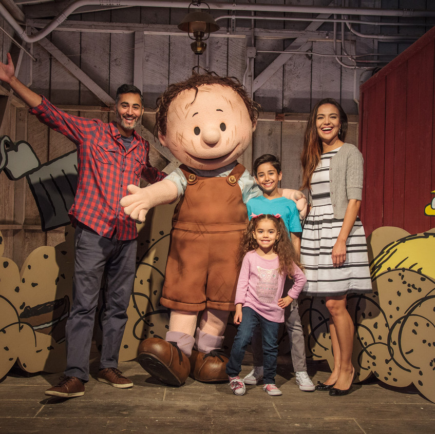 PEANUTS Celebration - PigPen With Family