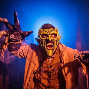 Knott's Scary Farm Entertainment - 2105