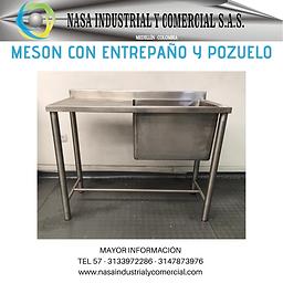 MESON CON ENTREPAÑO Y POZUELO GRANDE.png