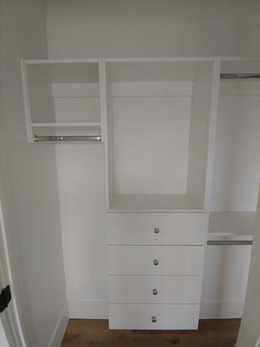 Modular lady closet