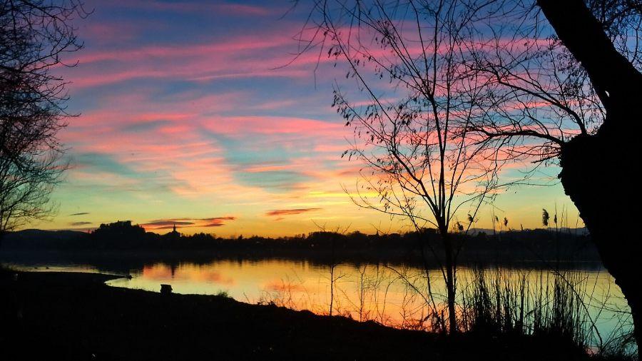 Varese, tramonto sul lago