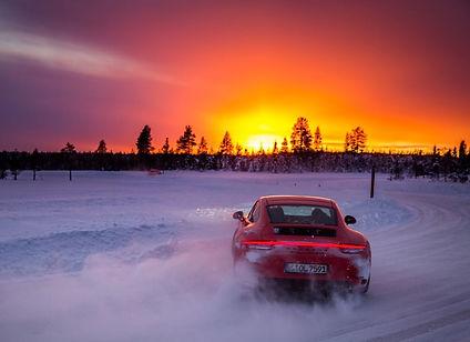 Experience di guida su neve e ghiaccio in Lapponia