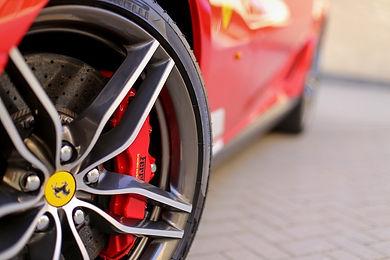 Driving Experience Ferrari, guida in pista