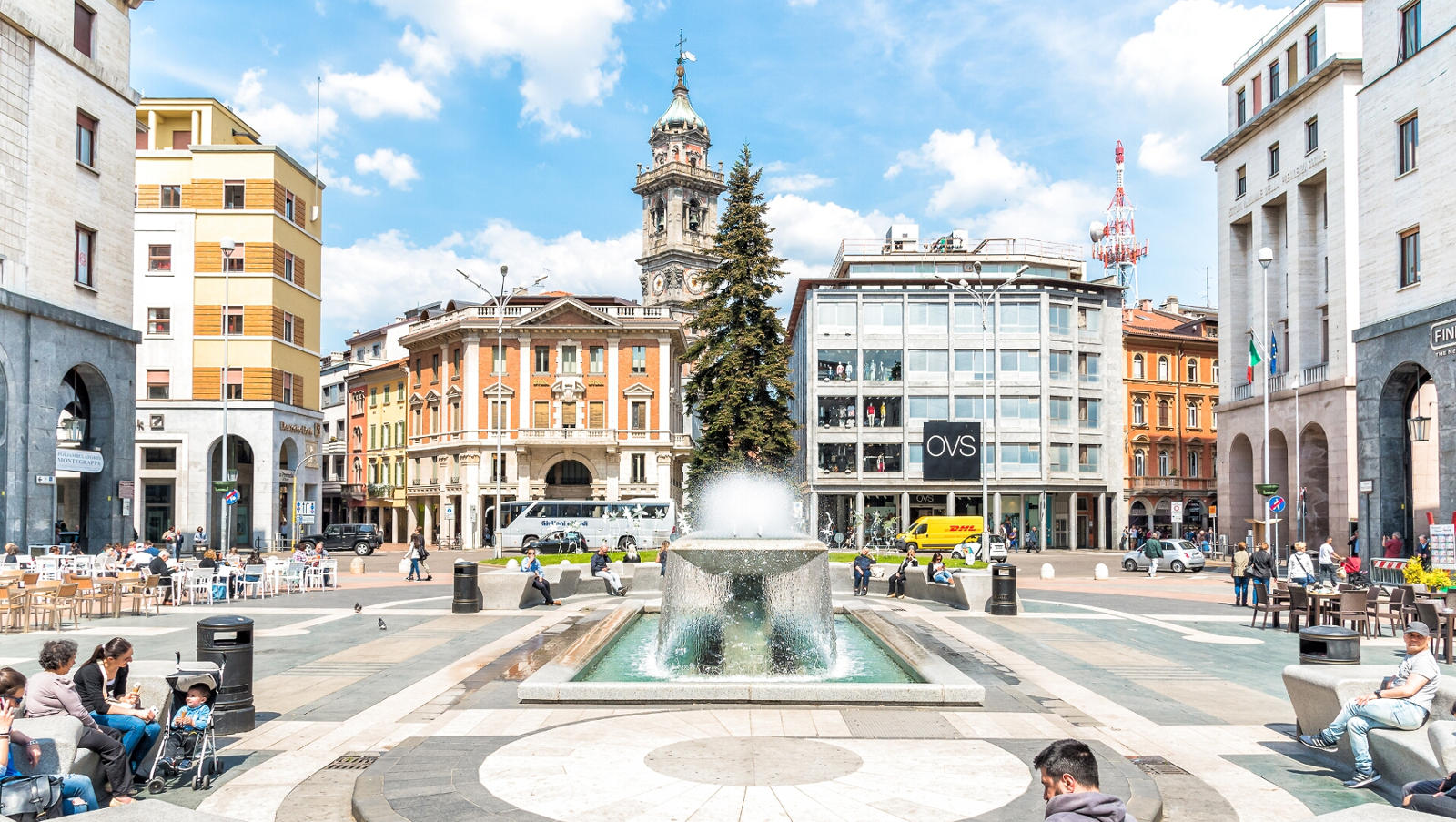Varese, Piazza Montegrappa