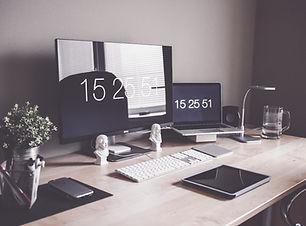 home-office-1867761_1920.jpg
