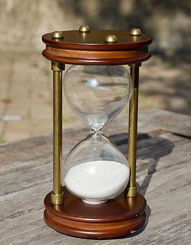 hourglass-2846643_1920_edited.jpg