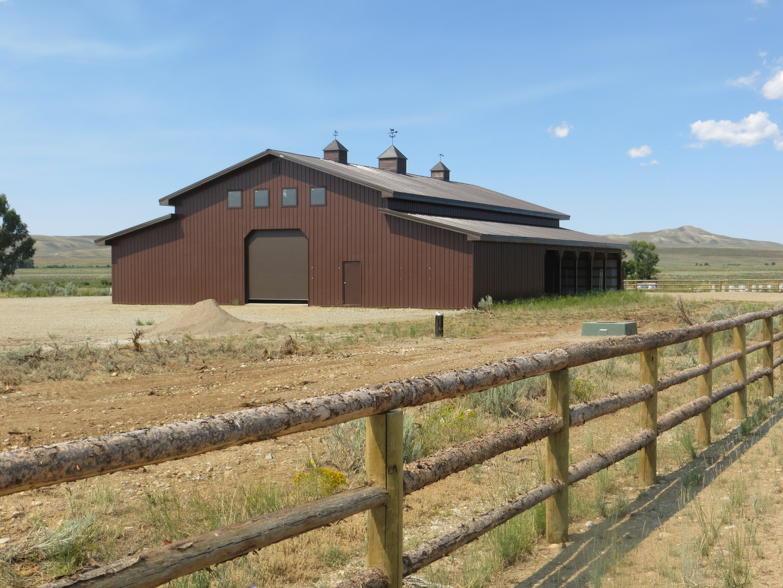 Pinedale Fair Barn