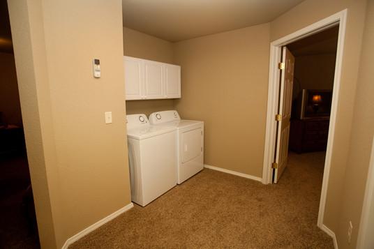 Penn Place Profesional Laundry IMG_0072.