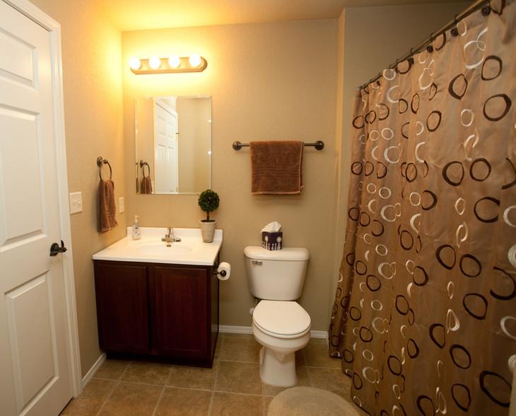 Penn Place Profesional Bathroom IMG_0052