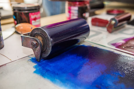 an acrylic paint roller for mono printin