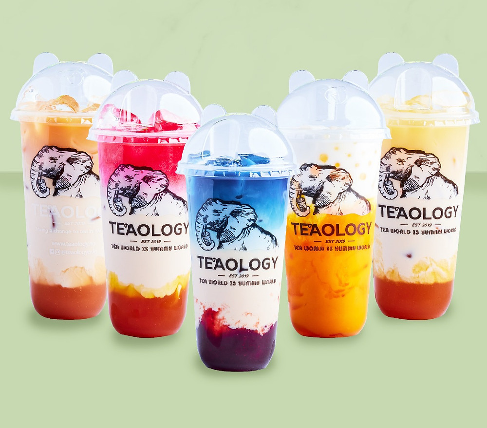 We launched these vegan milky fruit teas in October 2020, but to be honest: they looked dull and lacked the typical ✨TeaOlogy-looking aesthetic✨. Previously they had no layers and were just a basic, nude colour when we served them to you. Teaology bubble tea milky in Norway