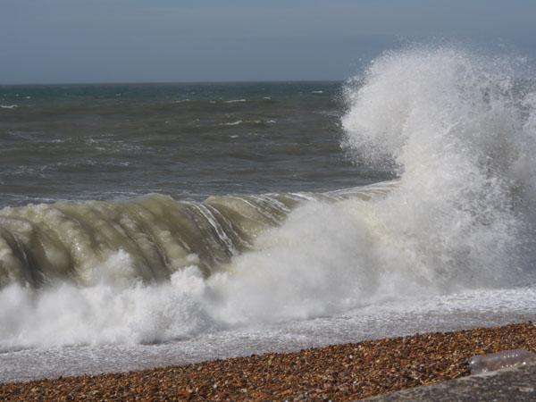 Crashing sea