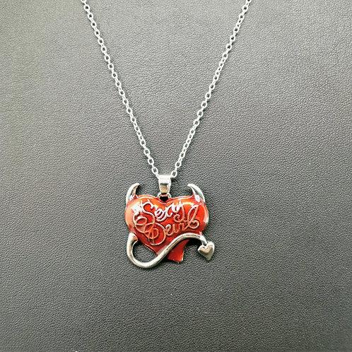 Collier cœur rouge devil
