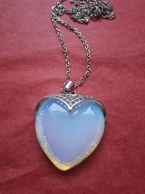 Collier pendentif cœur en pierre naturelle