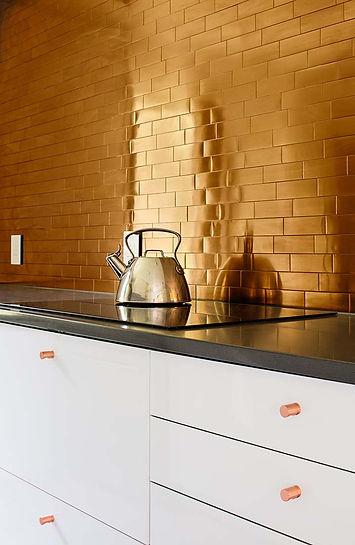 Catskills house modern interior kitchen backsplash