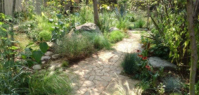 ガーデニング 庭作り 宿根草