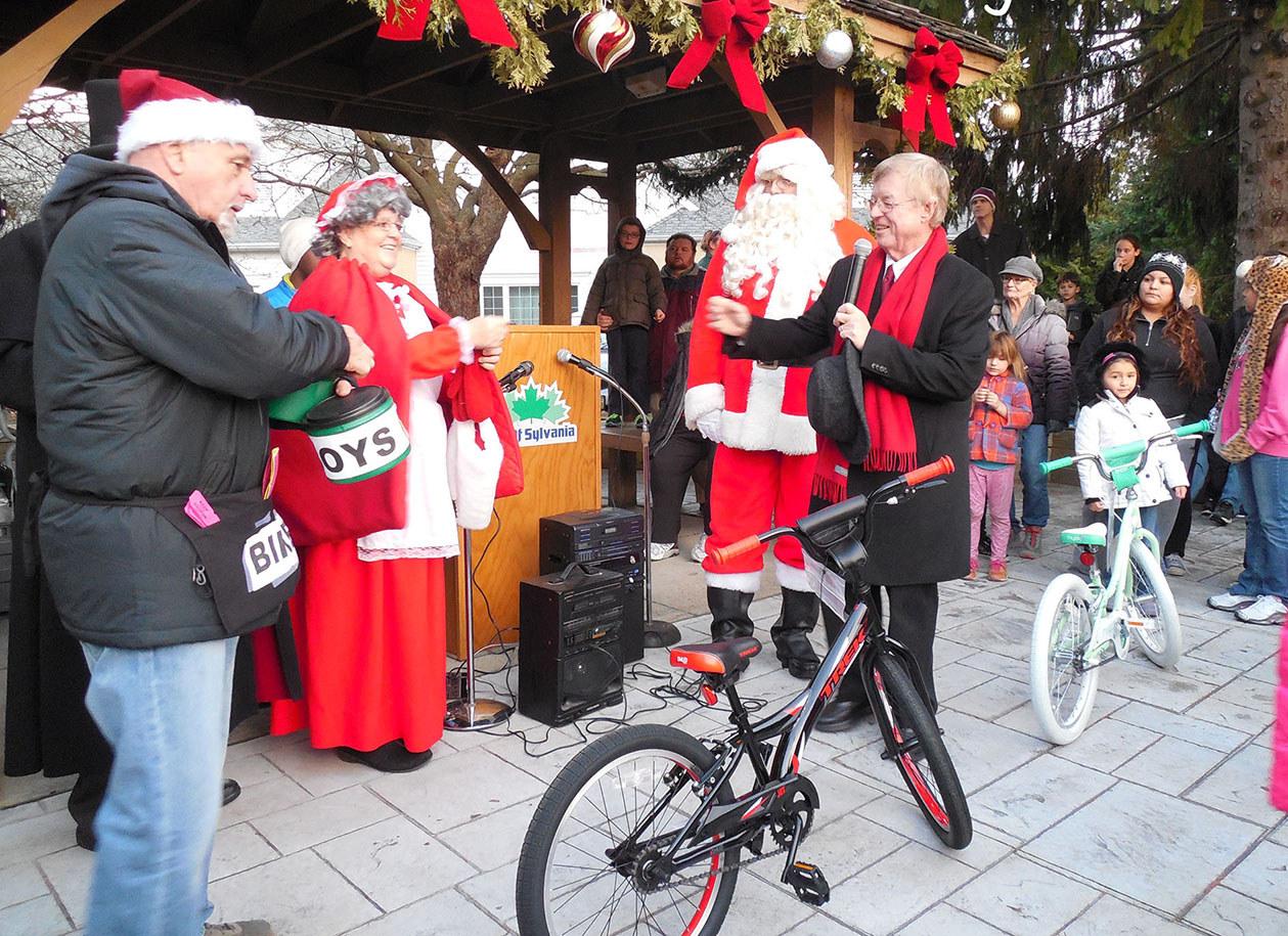 santa bicycle