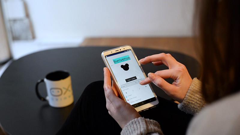 Commencer un document sur le smartphone, connecté ou non connecté, en déplacement.