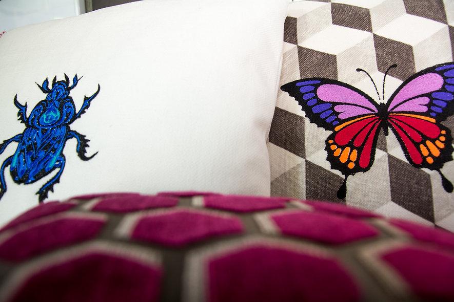Papillon sur coussin