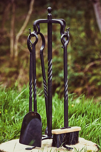 Blacksmith N.Ireland, Blacksmith NI, Artist, Armourer, Belfast, Newtownabbey,N.Ireland,N.I.,Northern Ireland,Cold Iron,Forge, Metalwork, Bespoke, Weapons, Leatherwork