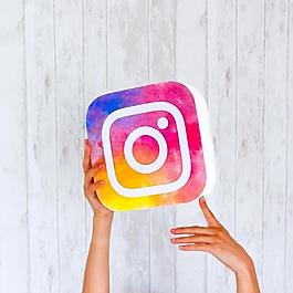 instagram-logo-hands-768x768.webp