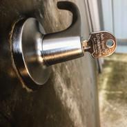 lockwoodlockset.JPG