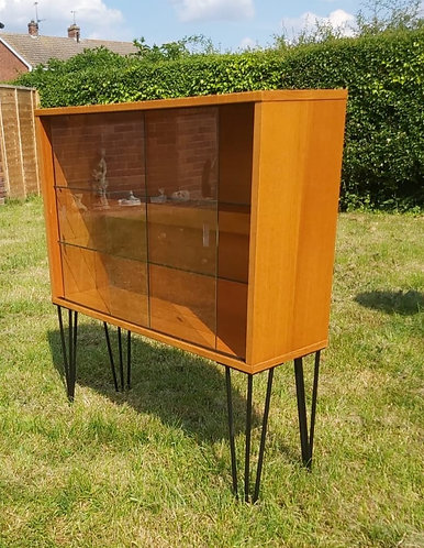 Beaver and Tapley bookcase