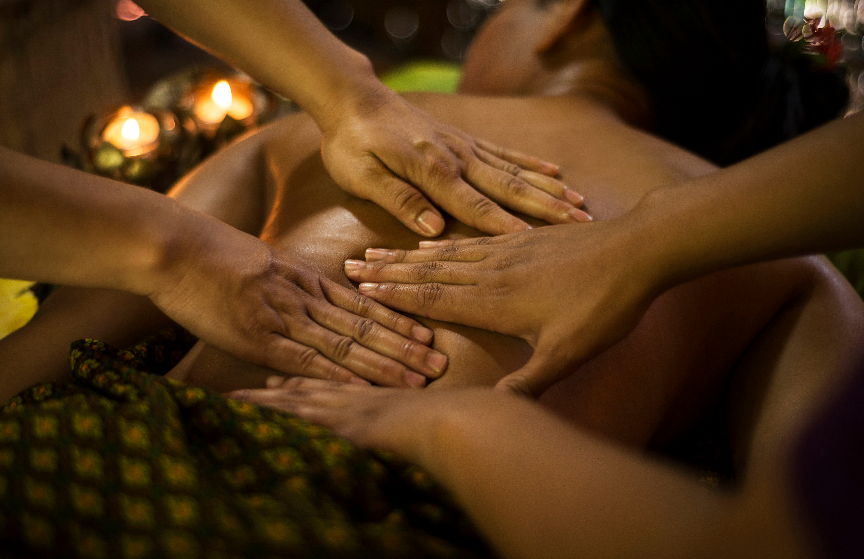 Four Hands Lomi Lomi Massage