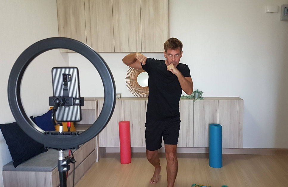Bangkok Personal Trainer Fitness Coach.j