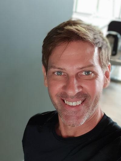 Dennis Romatz Pro Fit Hanoi Personal Trainer
