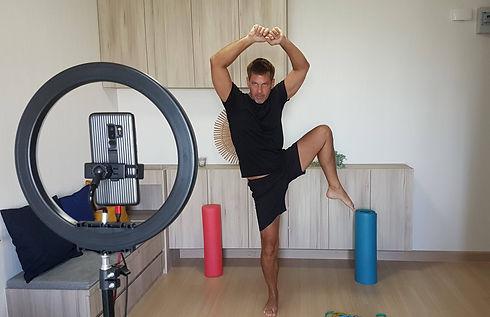 Online personal fitness trainer Dennis R