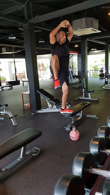 Pro Fit Hanoi personal training Vietnamese & foreigners