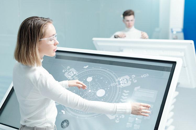 working-with-digital-scheme-on-interacti