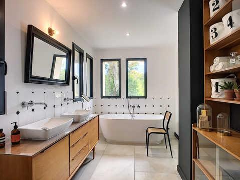 rénovation d'une salle de bains par Pascale FAYOL décoration d'intérieur dans le Alpilles