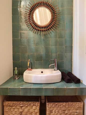 décoration d'intérieur  pour une salle de bains dans les Alpilles