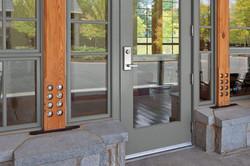 signature-ultimate-commercial-door-4