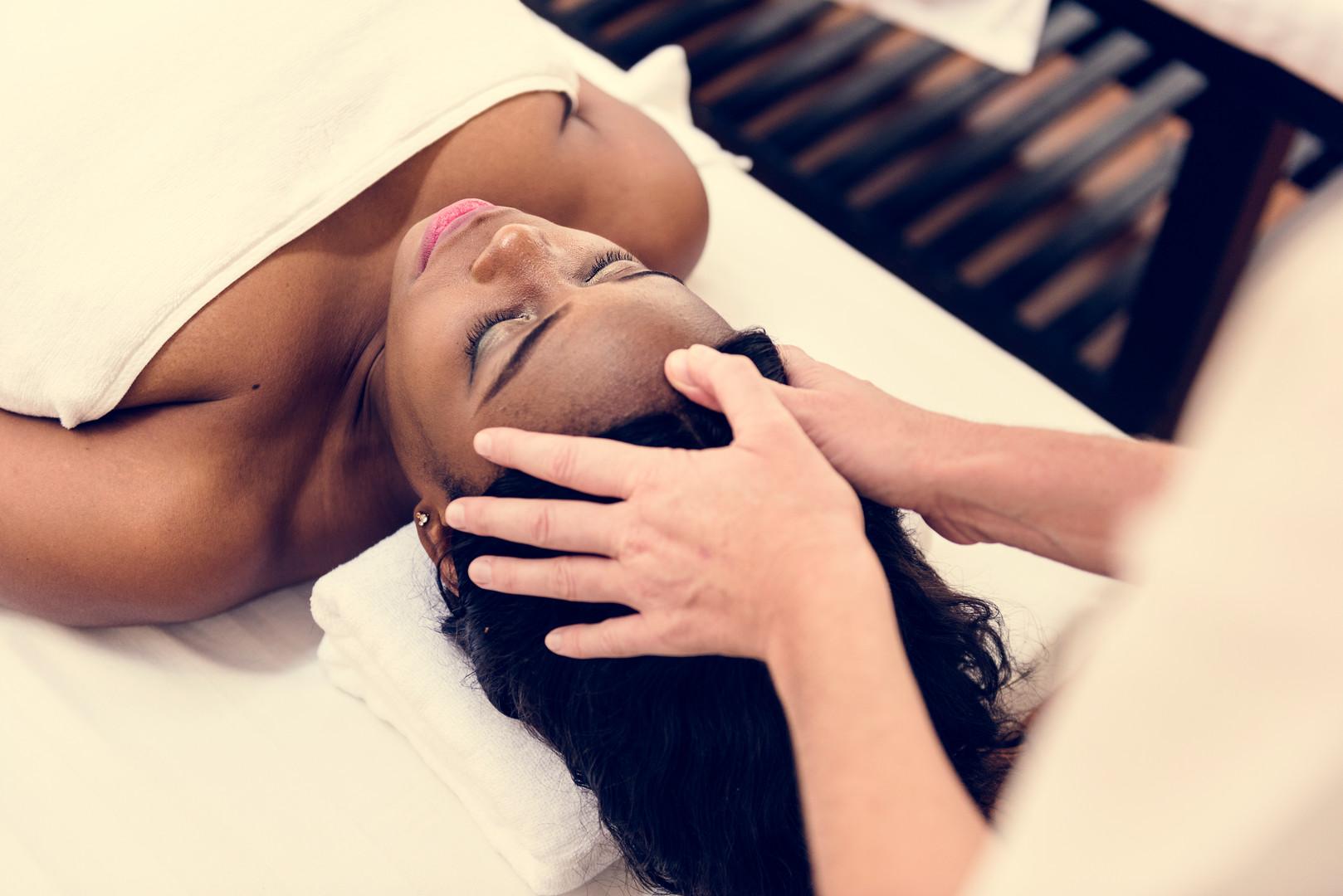 spa-salon-therapy-treatment-PWT2HS6.jpg