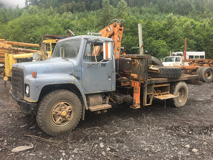 1981 International 188 w/ Atlas 4.5 Ton Lift