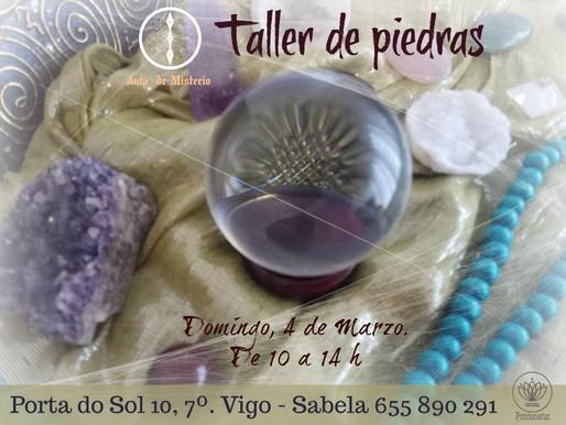 Taller de piedras y bolas de cristal