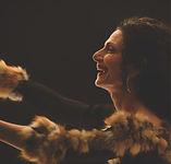 Sylva Balassanian en spectacle pour l'album Lady Sylva