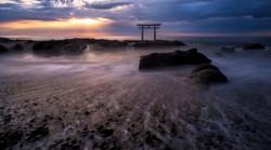8 torii sunrise