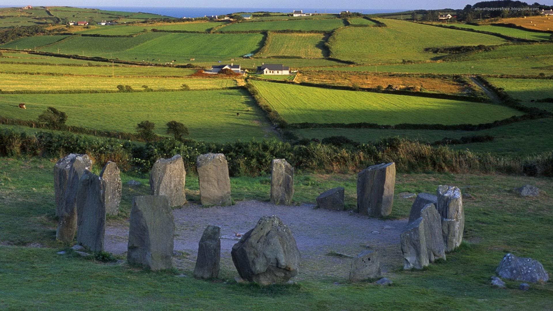 4 Cromlech-stone circle