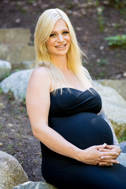 Chelsea Maternity Photo Shoot
