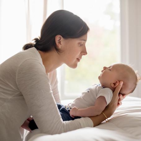 Techniques de massage pour faciliter le sommeil de bébé