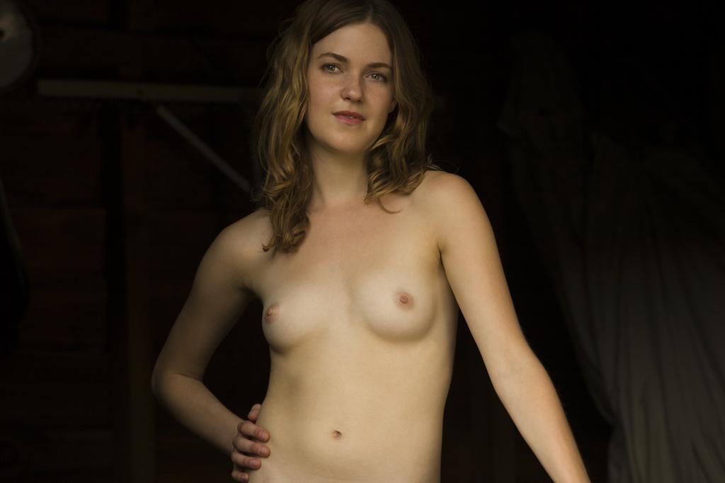 Barn Nude