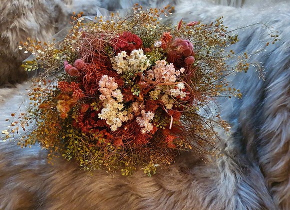 Dried flower bundle