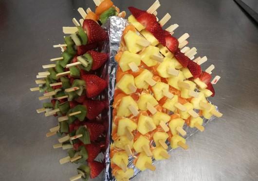 pyramide brochette fruit.jpg