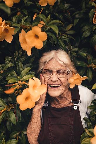 close-up-elder-elderly-2050994.jpg