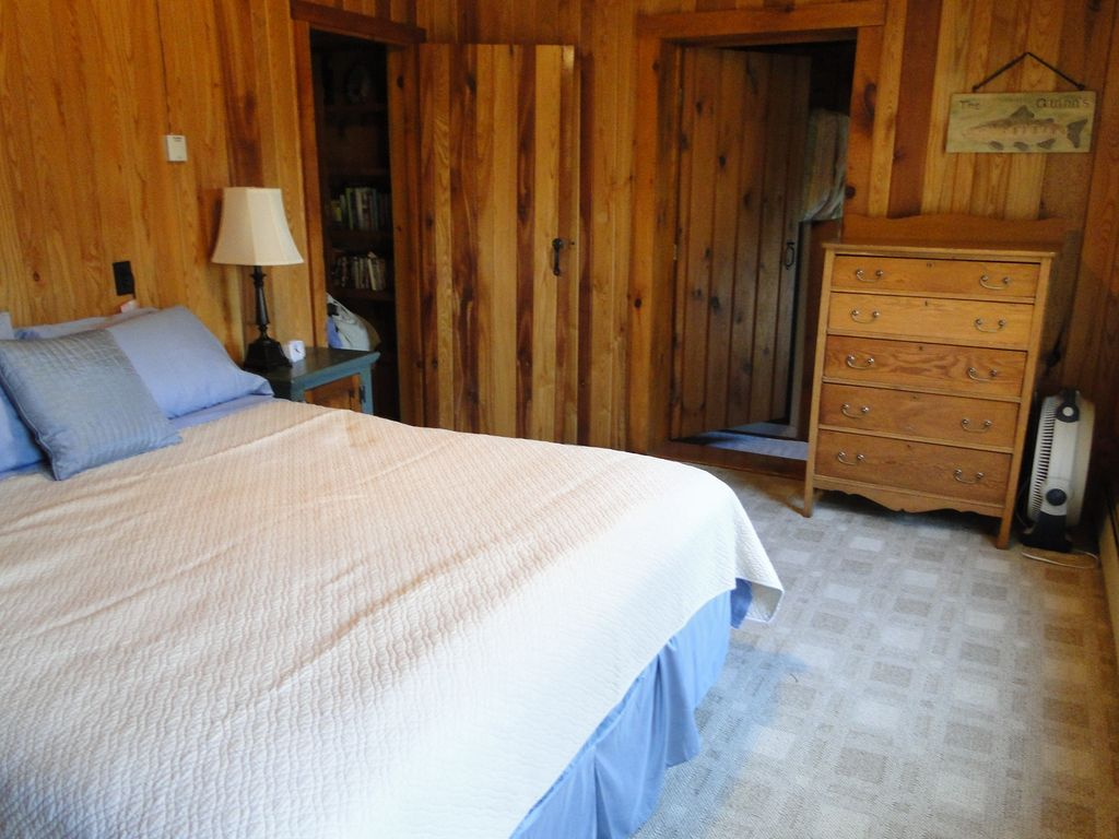 Bedroom - The Gathering Place Rental