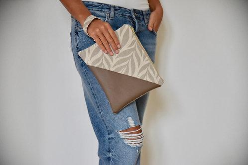 "Wrist Bag ""Leaf"""